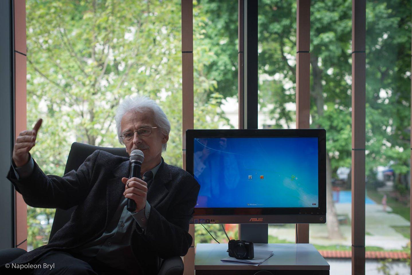 Powitanie gości na Konferencji Obszarów Sztuki przez Grzegorza Bilińskiego (WI ASP Kraków)