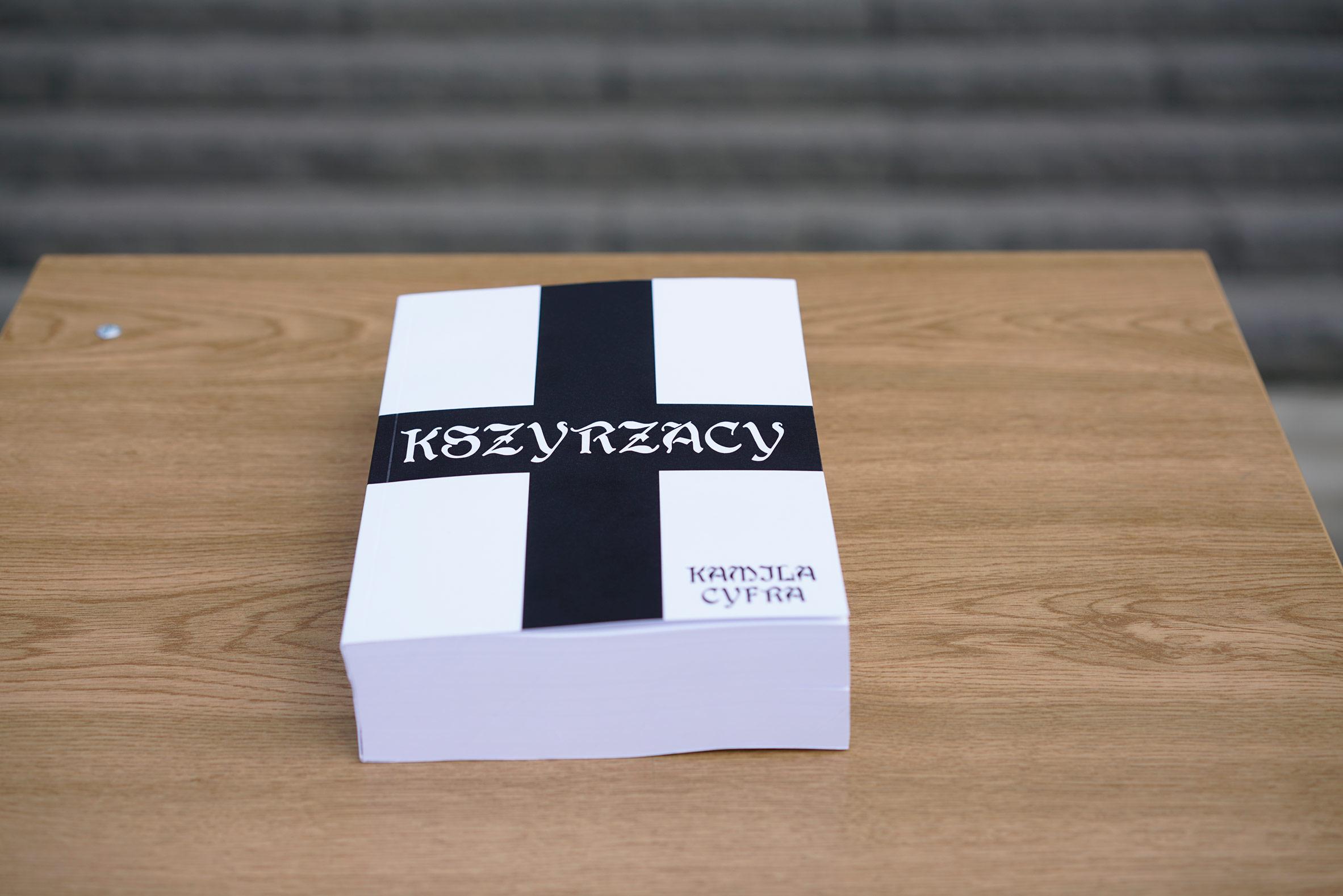 Książka Kszyrzacy - tłumaczenie Krzyżaków Henryka Sienkiewicza